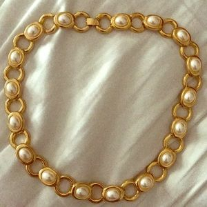 Jewelry - Pearl and Gold necklace
